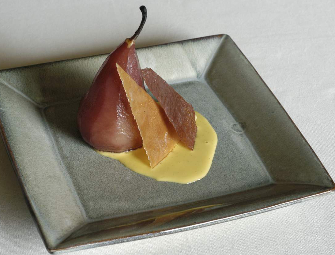 Pera cotta nel vino e cialde di cioccolata / Pear Cooked in Wine and Chocolate Wafers