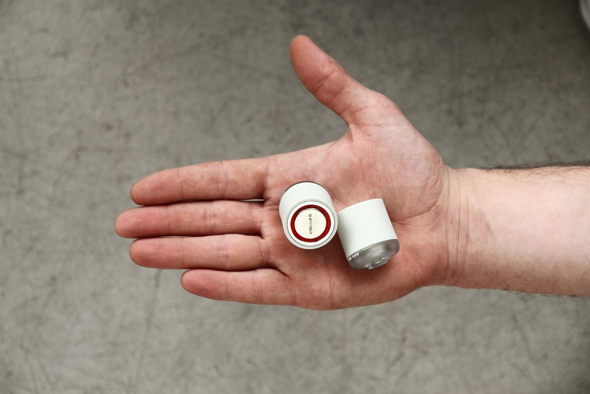 iFlash - white in hand