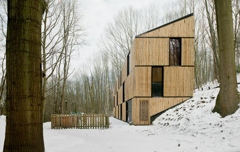 AST 77 studio Bamboo House
