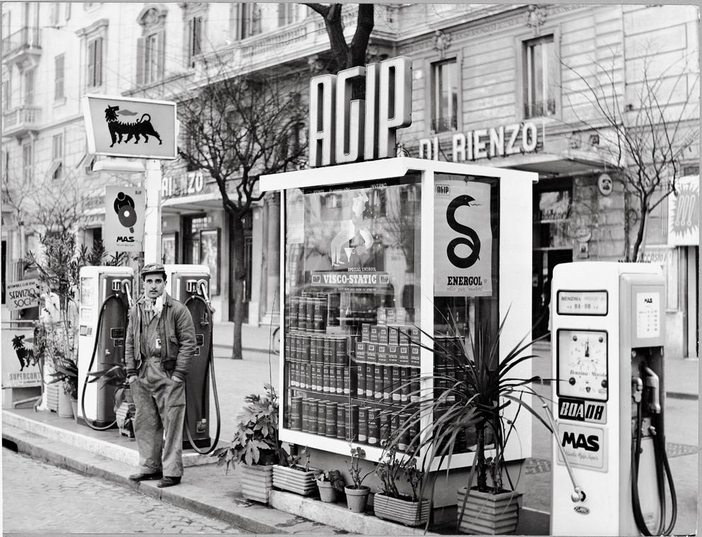 Chiosco urbano, Roma 1953. Archivio storico Eni