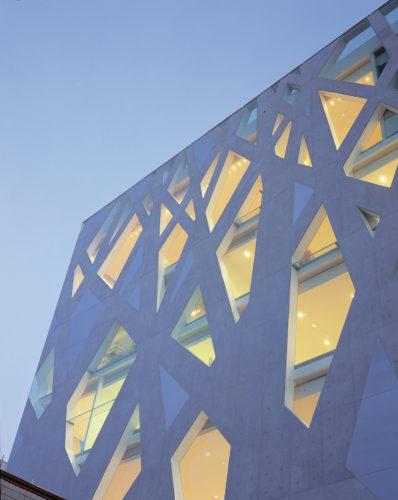 Toyo Ito, TOD'S OmToyo Ito, TOD'S Omotesando Building, Tokyo, 2004. Foto: Nacasa & Partners Inc.otesando Building, Tokyo, 2004. Photo: Nacasa & Partners Inc.