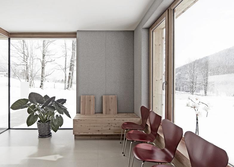 Studio medico in Ramsau progetto di Hammerschmid Pachl Seebacher Architekten