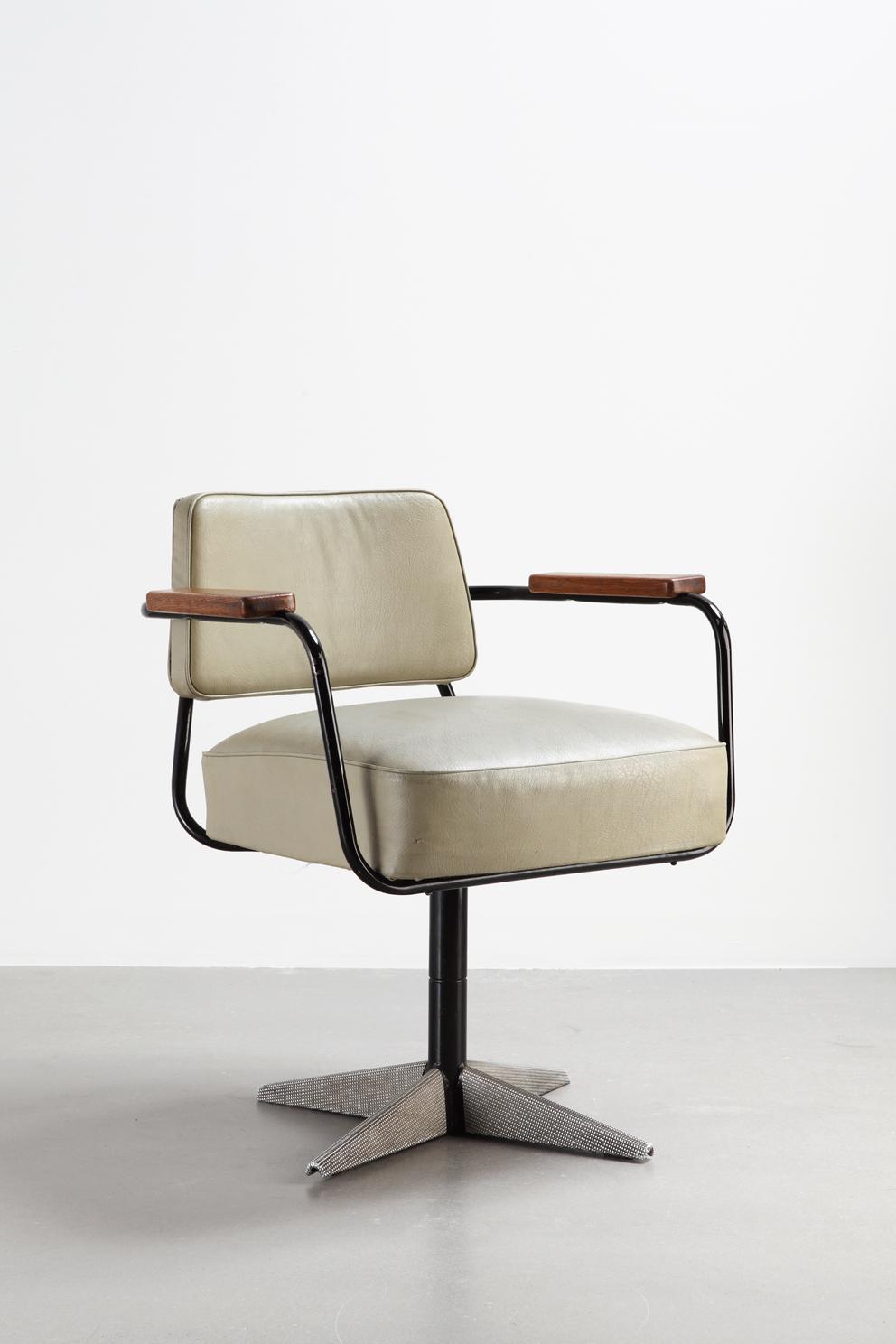 Jean Prouvé, Direzione N. 353 sedia girevole da ufficio, 1951.