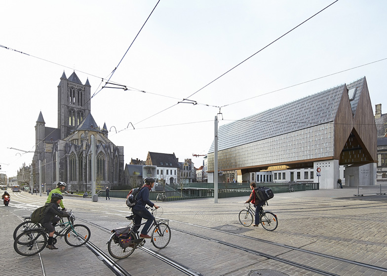 Market Hall by Robbrecht en Daem and Marie Jose Van Hee