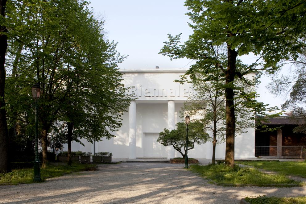 Padiglione Centrale Giardini della Biennale 2010 Photo: Giulio Squillacciotti Courtesy: la Biennale di Venezia