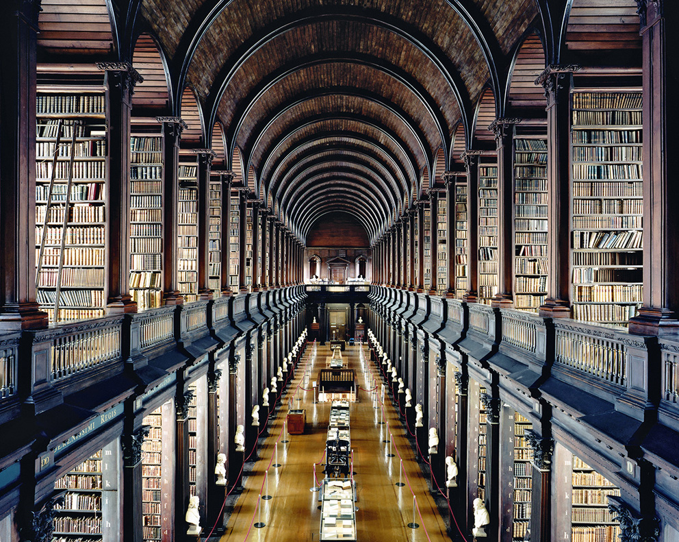Candida Hofer, Trinity College Library Dublin I, 2004