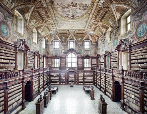Candida Hofer, Biblioteca dei Girolamini Napoli I, 2009