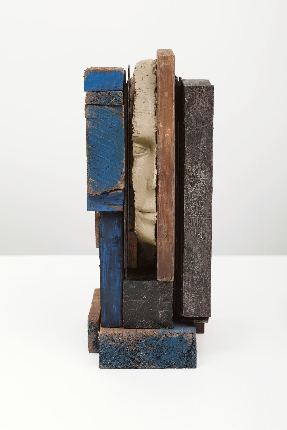 Mark Manders, Composition with Blue, 2013