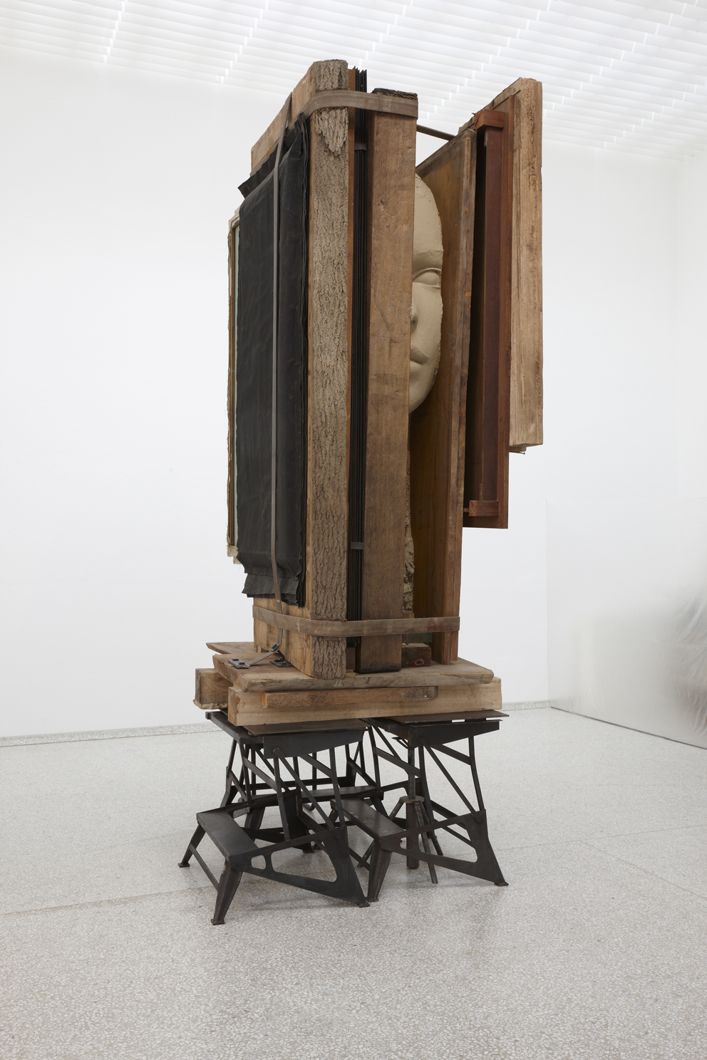 Mark Manders, Working Table, 2012-2013