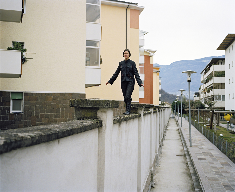 Rossella Biscotti, Everything is somehow related to everything else, yet the whole is terrifyingly unstable, 2008. Courtesy: Prometeogallery, Milano/Lucca