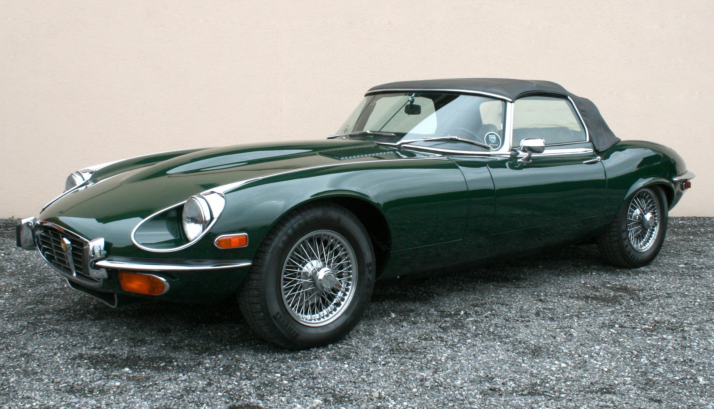 Jaguar e-type verde