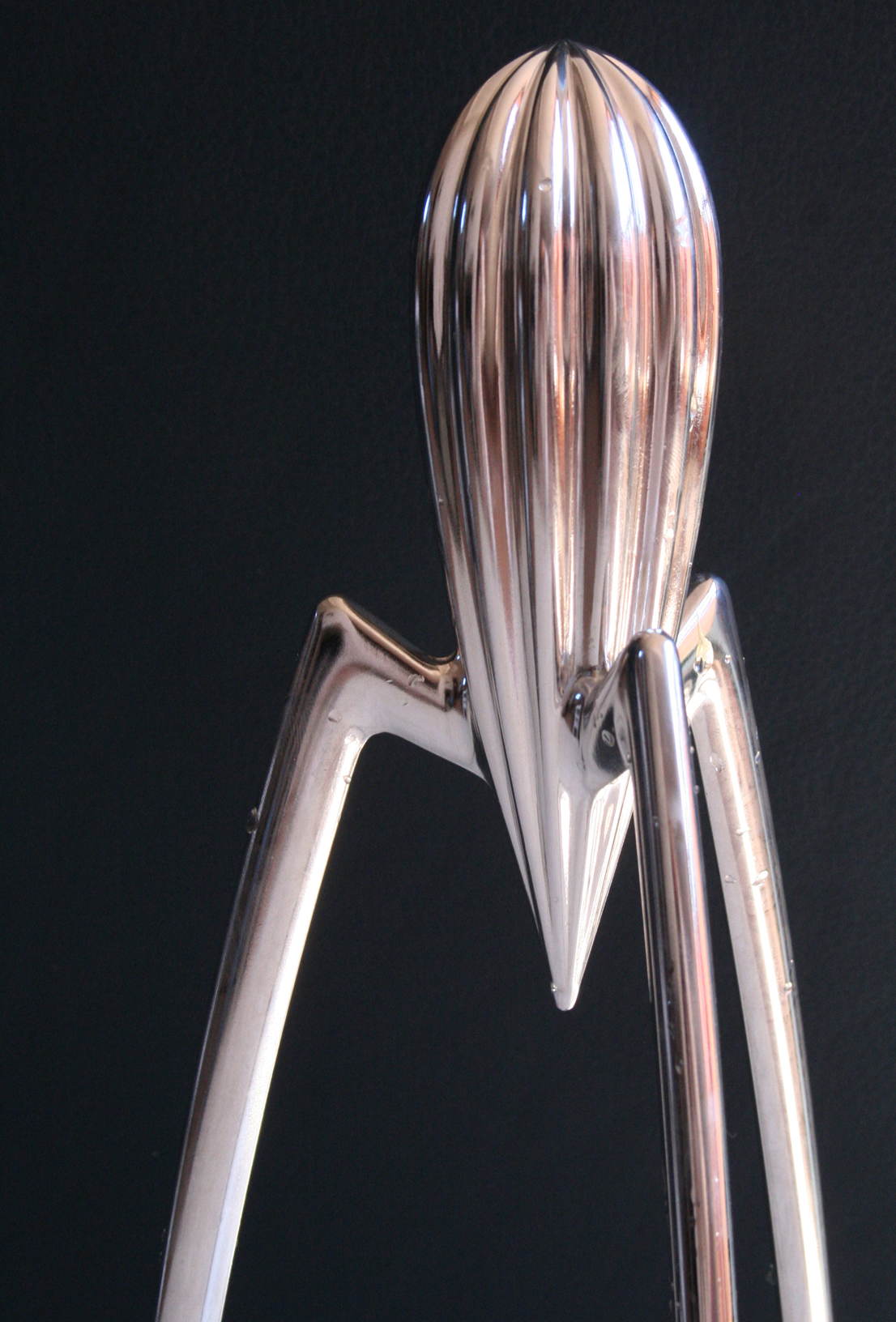 Juicy Salif, designdi Philippe Starck per Alessi