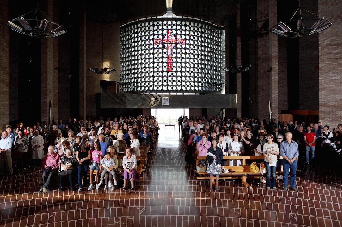 Andate in Pace, Santuario dell'Amore Misericordioso, Collevalenza. Sabato, ore 17:37.