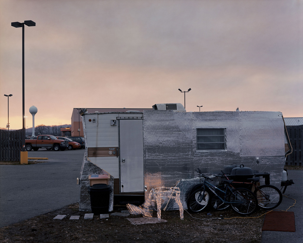 Alec Soth, Home, Treasure Island Casino, Red Wing, MN, 2002.