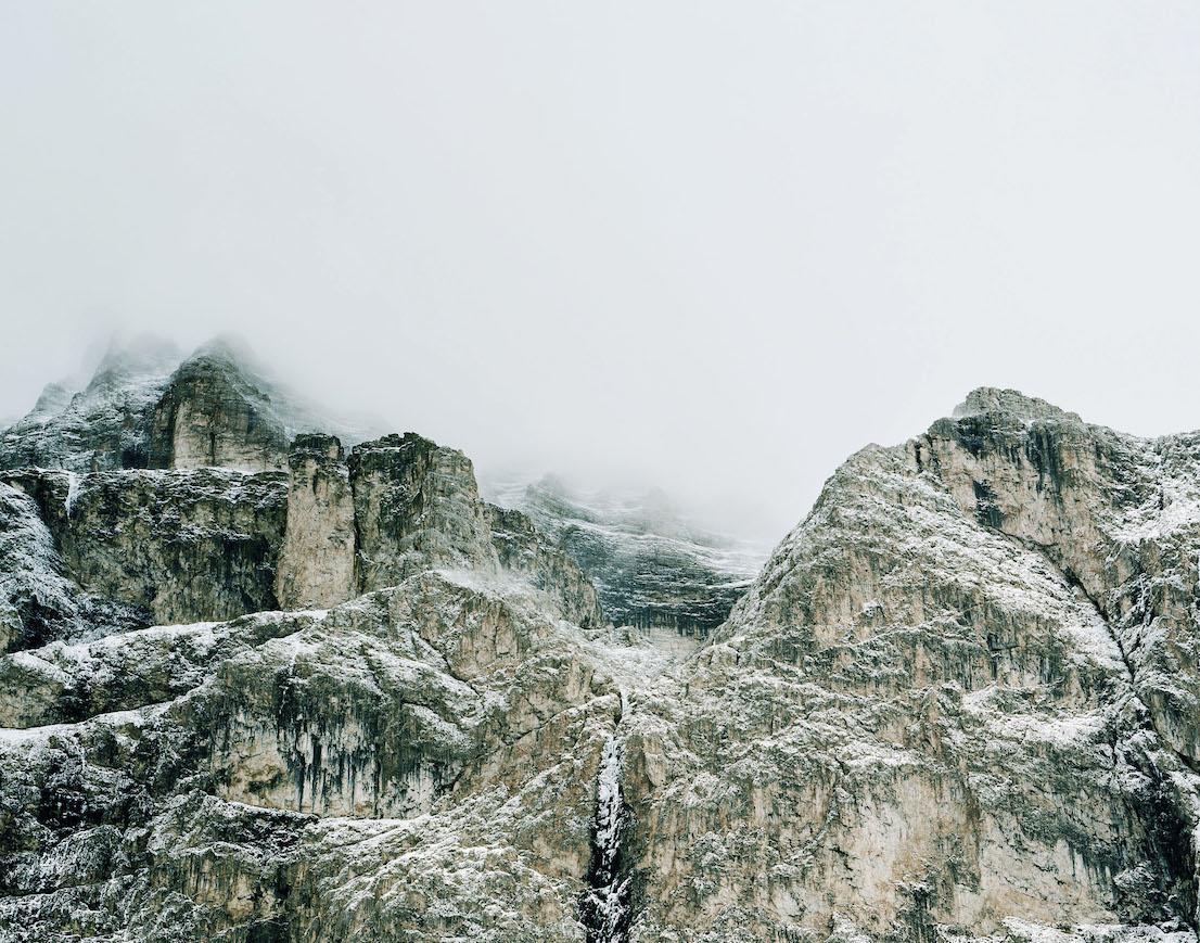Axel Hütte Passo Sella, Italia dalla serie New Mountains, 2012.