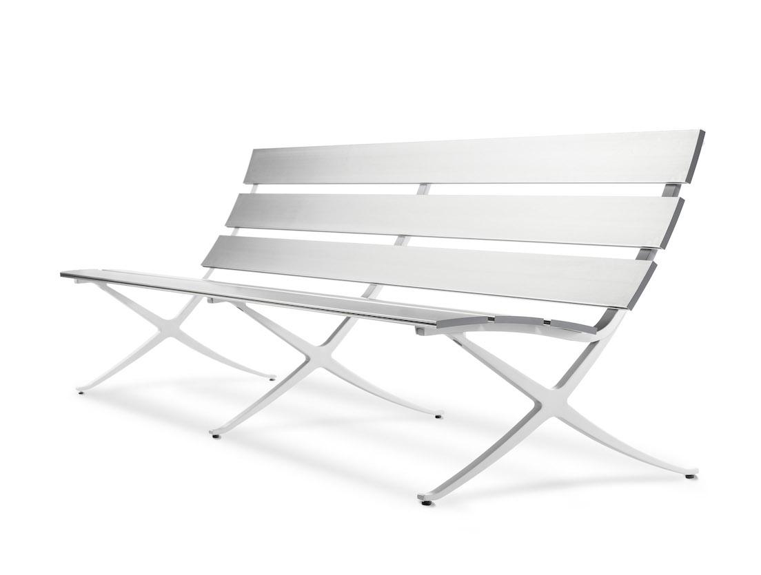 Bench, design di Konstantin Grcic per BD Barcelona Design.