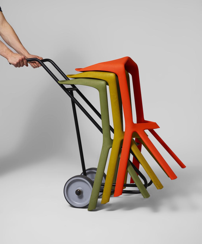 Miura, design di Konstantin Grcic per Plank Collection, 2005.