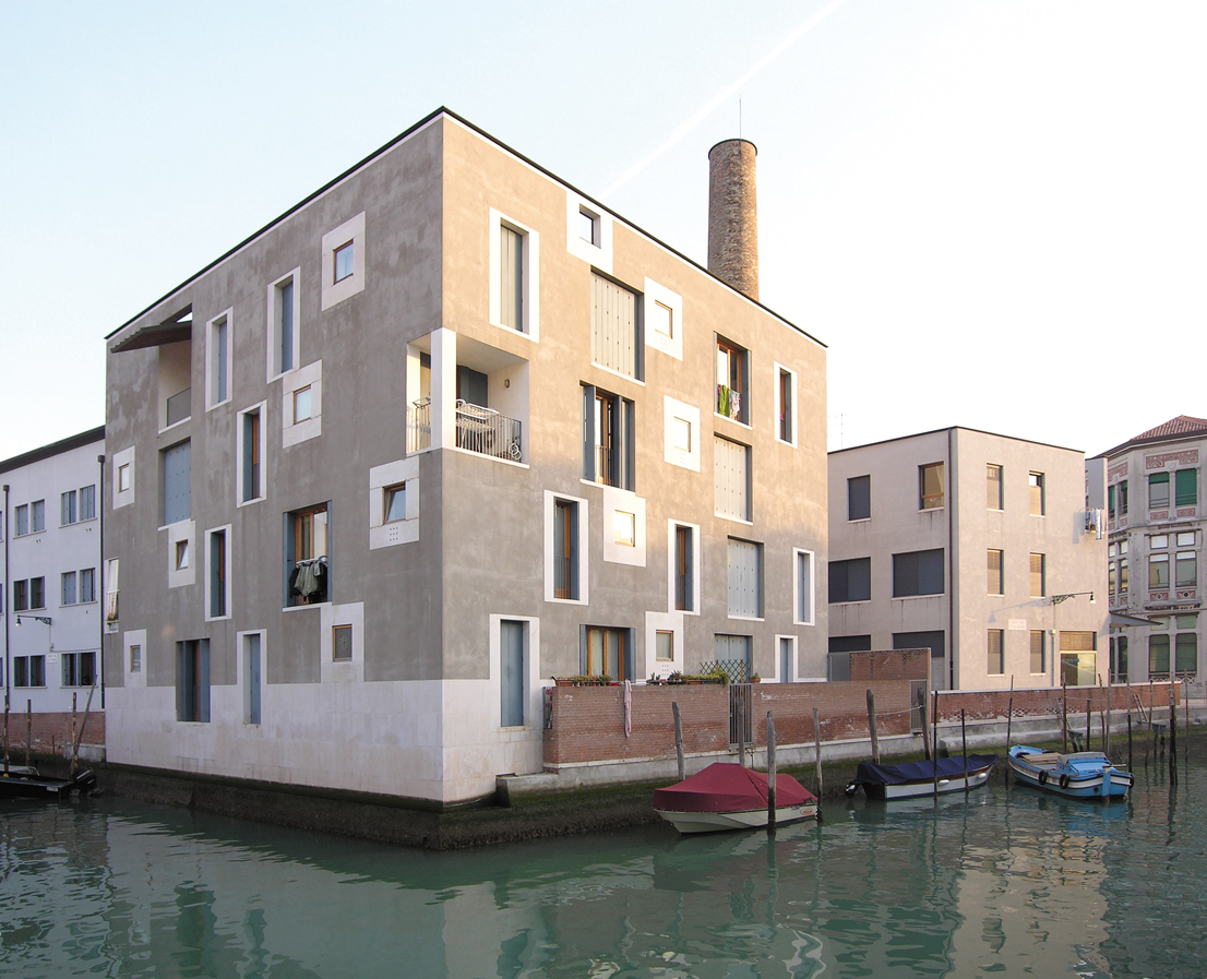 Residential building D, ex-Junghans area, Cino Zucchi Architetti. Venice, 1997-2002.