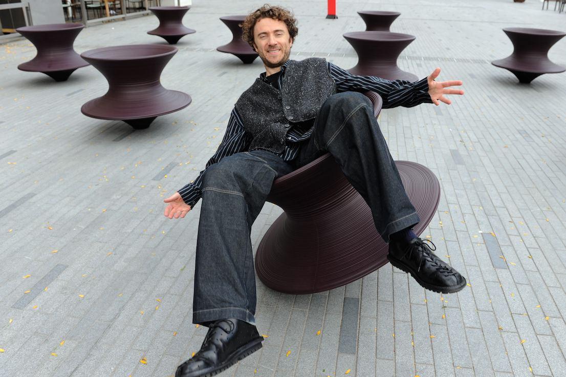 Spun Chair, design di Thomas Heatherwick per Magis.