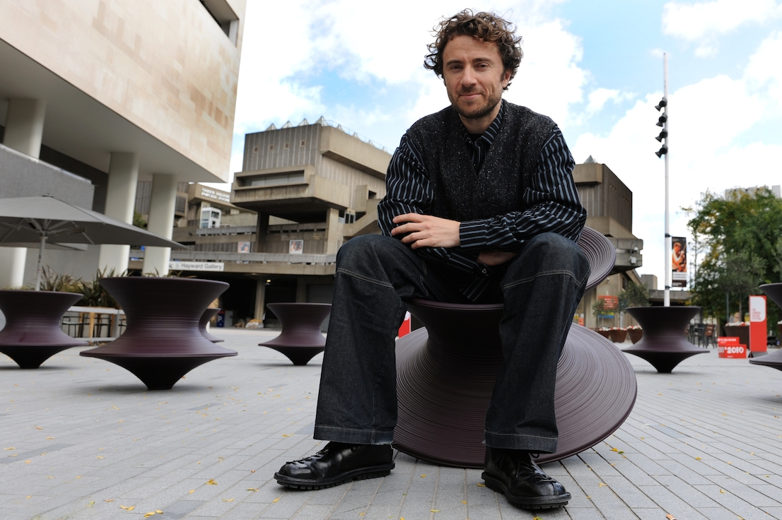 Spun Chair, design di Thomas Heatherwick per Magis.