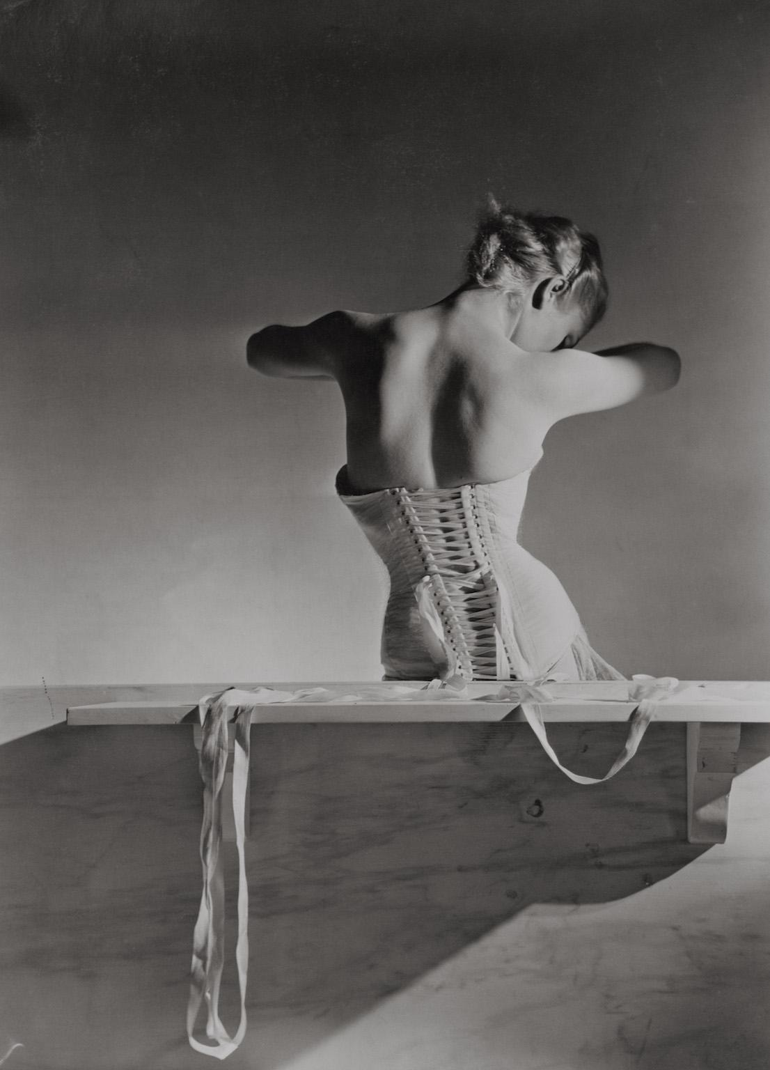 Corset by Detolle for Mainbocher, 1939. © Condé Nast / Horst Estate.