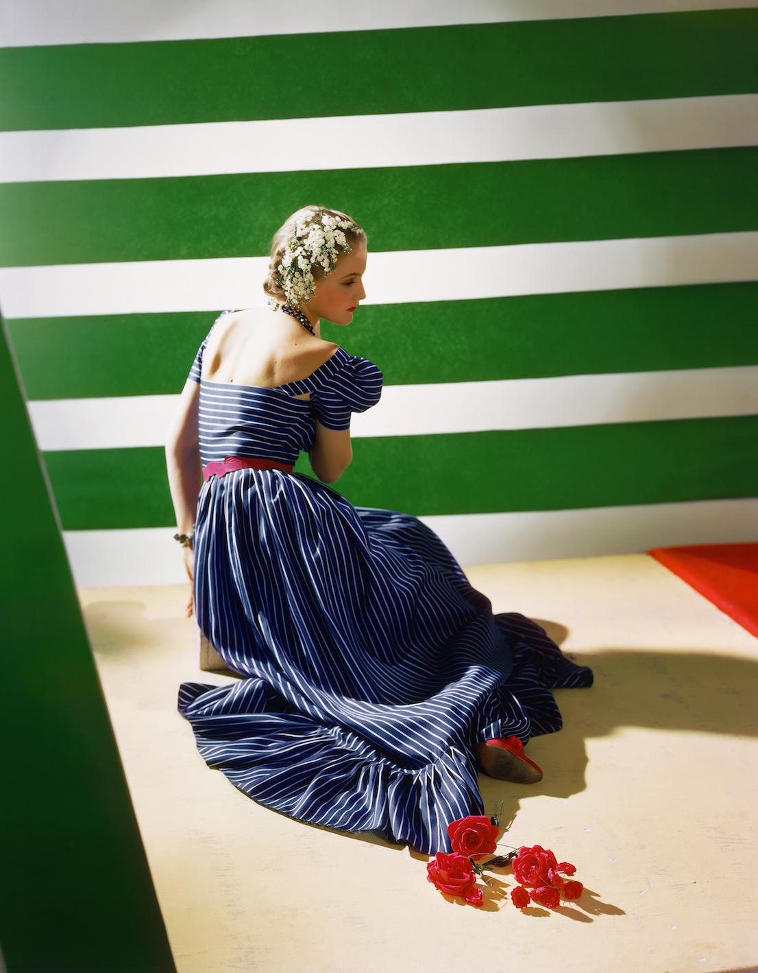 Dress by Hattie Carnegie, 1939. © Condé Nast / Horst Estate.