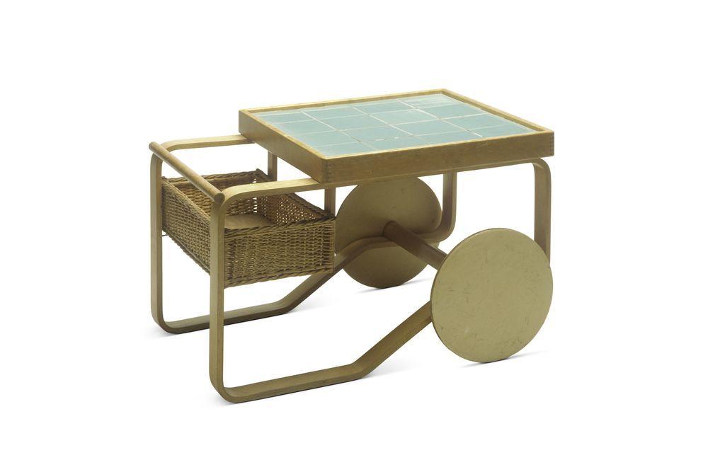 Tea Trolley 900, design di Alvaro Aalto