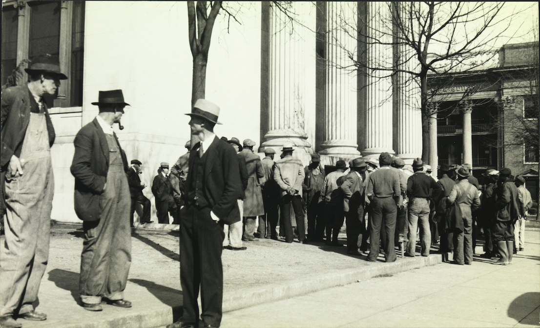 Walker Evans: Crowd In Public Square, 1930s. Lunn Gallery Stamp (1975). © Walker Evans Archive, The Metropolitan Museum of Art.