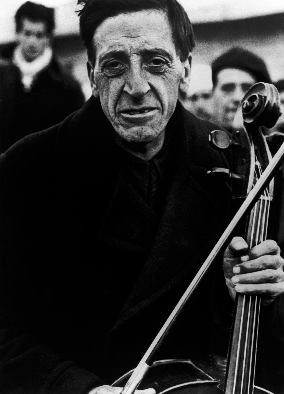 Francia, 1939. Foto di Robert Capa.