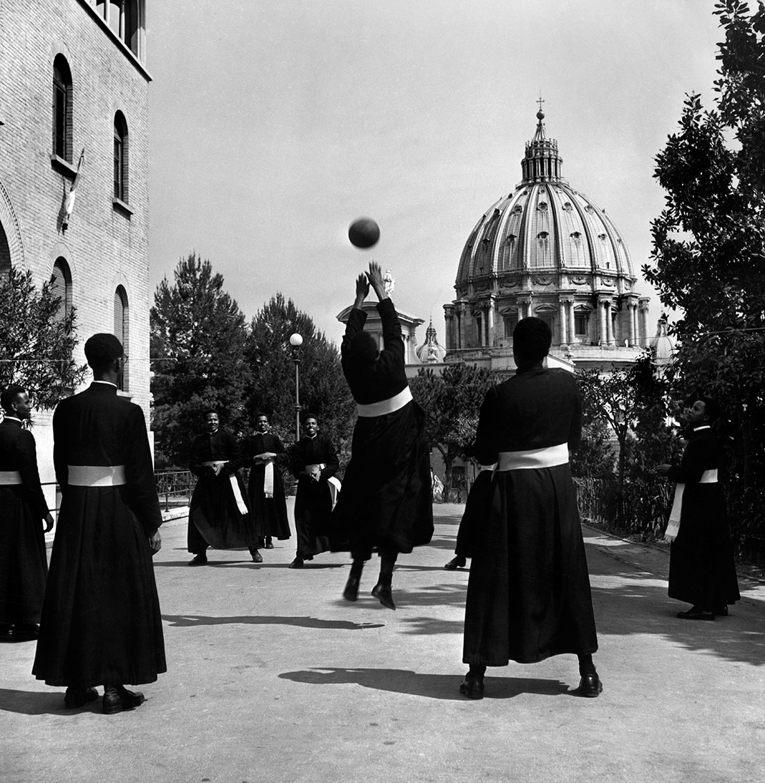 Vaticano, Italia, 1949. David Seymour / Magnum Photos