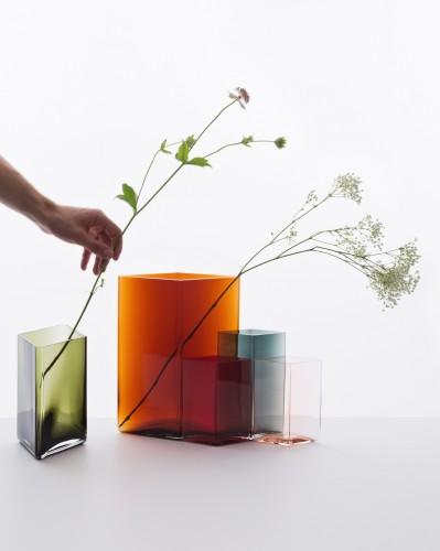 Vasi Ruutu, design di Ronan & Erwan Bouroullec, per iittala, 2014.