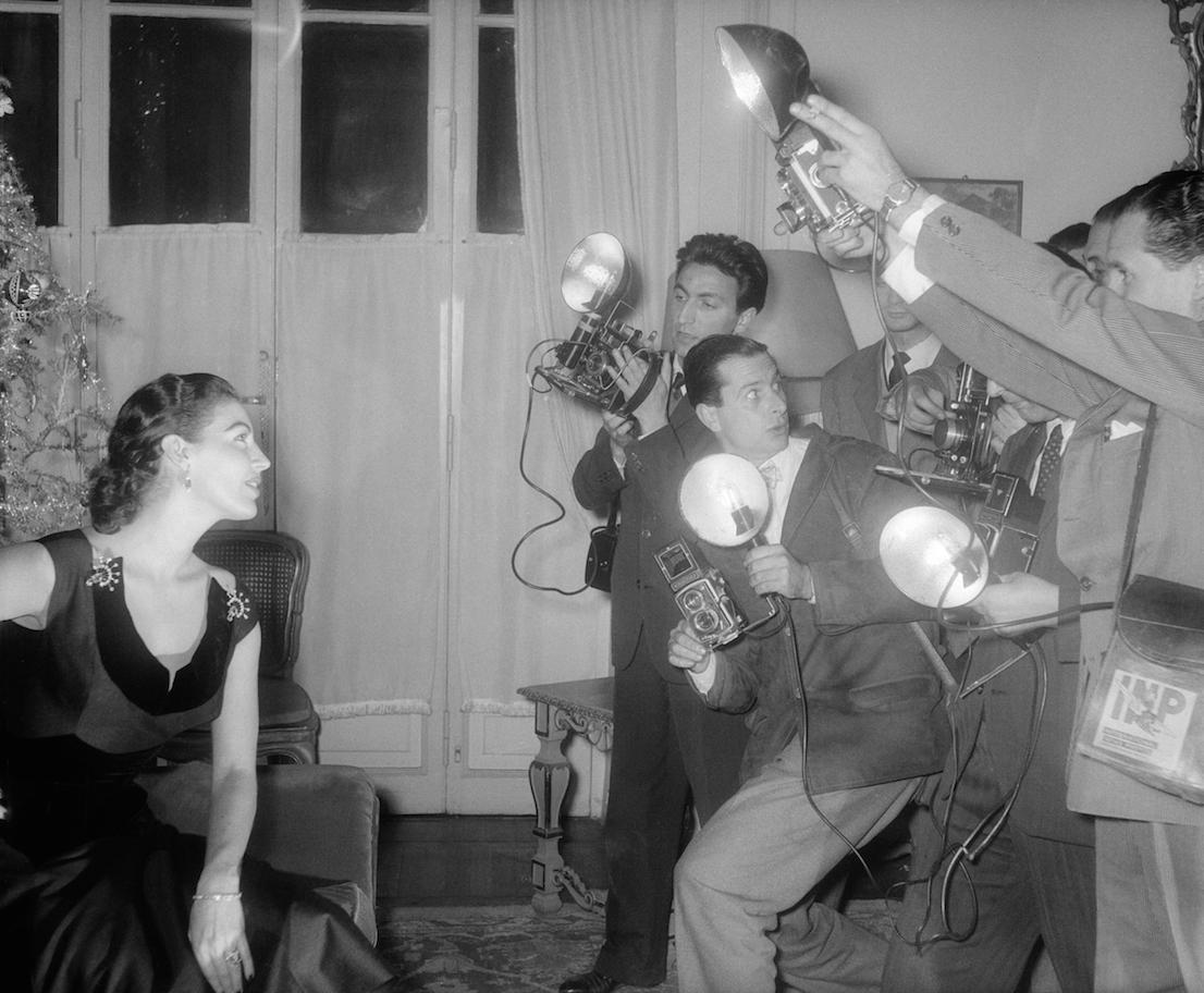 """Foto di scena da """"La contessa scalza"""" (The Barefoot Contessa) di Joseph L. Mankiewicz (1954). Foto Osvaldo Civirani. Courtesy Archivio Fotografico della Cineteca Nazionale - Centro Sperimentale di Cinematografia. Fondo Civirani"""