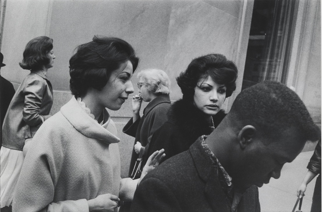 New York, 1960. Garry Winogrand. The Garry Winogrand Archive, Center for Creative Photography, The University of Arizona. © The Estate of Garry Winogrand, courtesy Fraenkel Gallery, San Francisco.