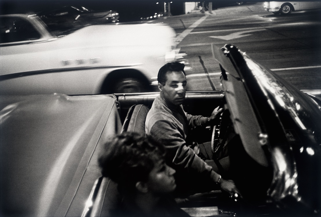 Los Angeles, 1964. Garry Winogrand. San Francisco Museum of Modern Art, gift of Jeffrey Fraenkel. © The Estate of Garry Winogrand, courtesy Fraenkel Gallery, San Francisco.