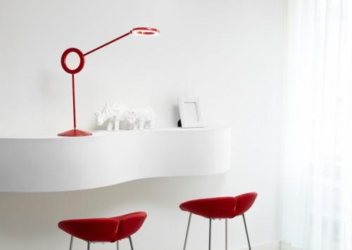 Lampada Amuleto, design di Alessandro Mendini per Ramun.