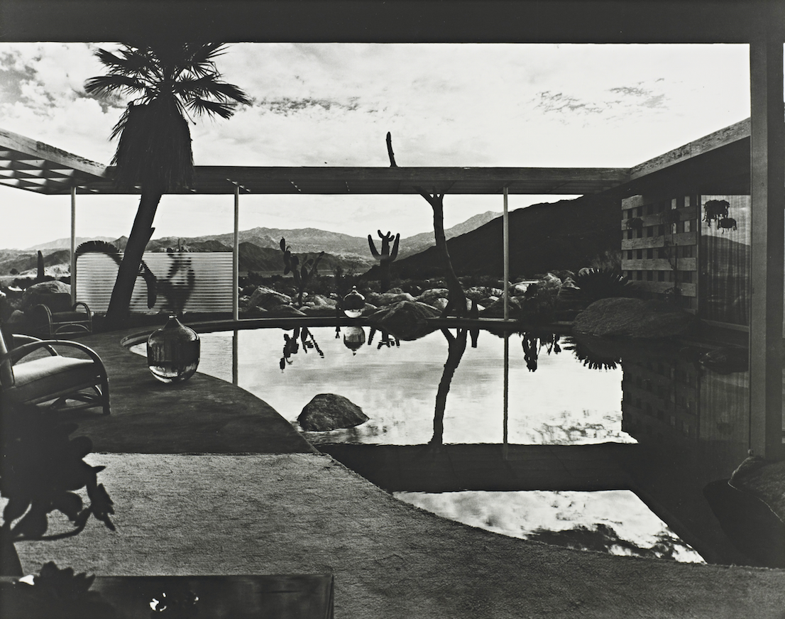Raymond Loewy House, Palm Springs, California, designed by Albert Frey. Photo Julius Shulman, 1947.