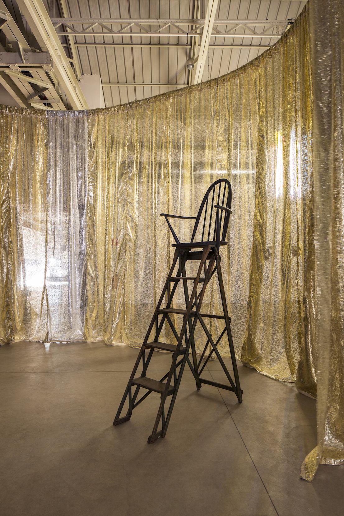 Celine Condorelli, Structure for Reading, 2012. Courtesy: l'artista, Fondazione HangarBicocca, Milano Foto Agostino Osio.