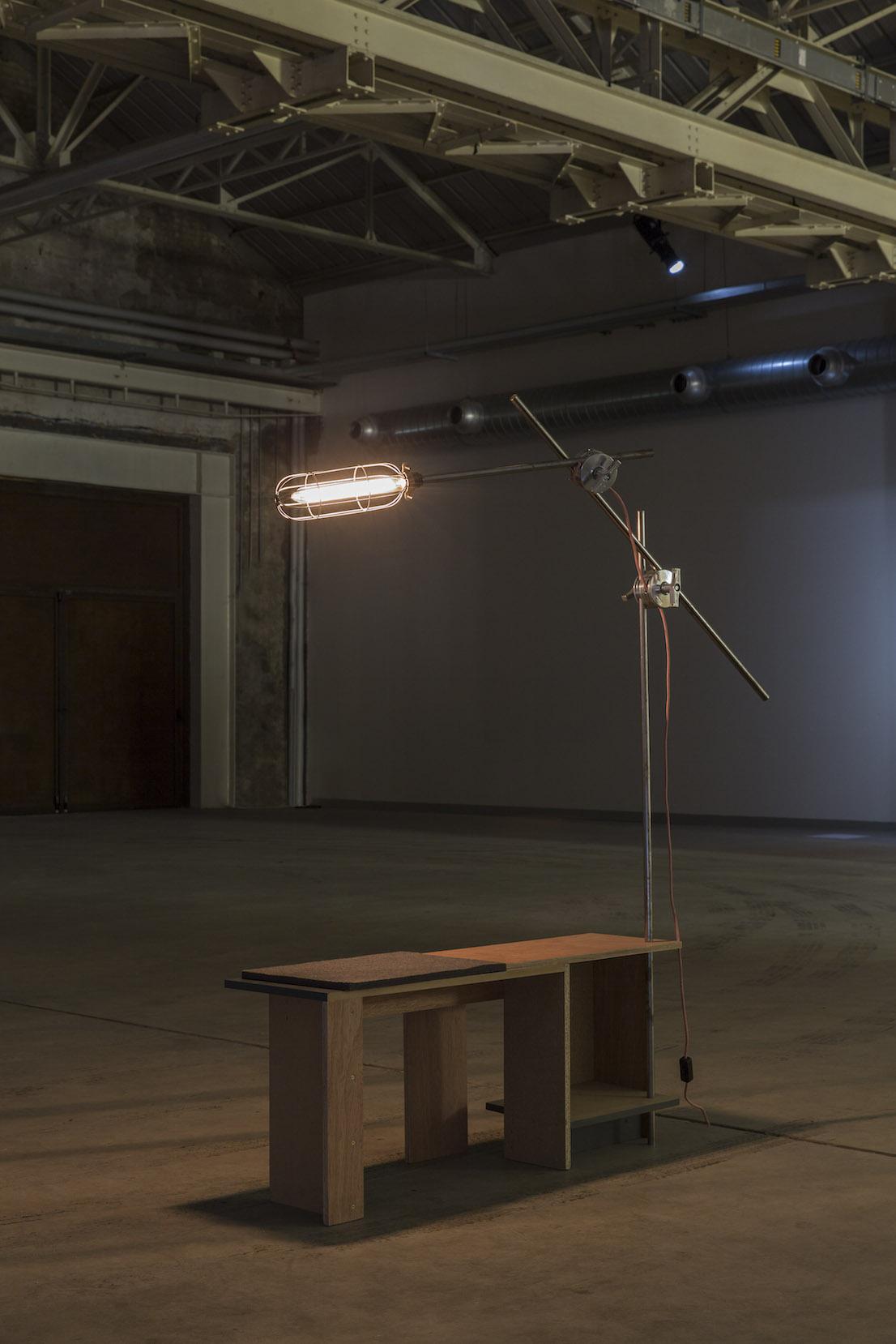 Celine Condorelli, Structure for Preparing the Piano, 2012. Courtesy l'artista, Fondazione HangarBicocca, Milano. Foto Agostino Osio.