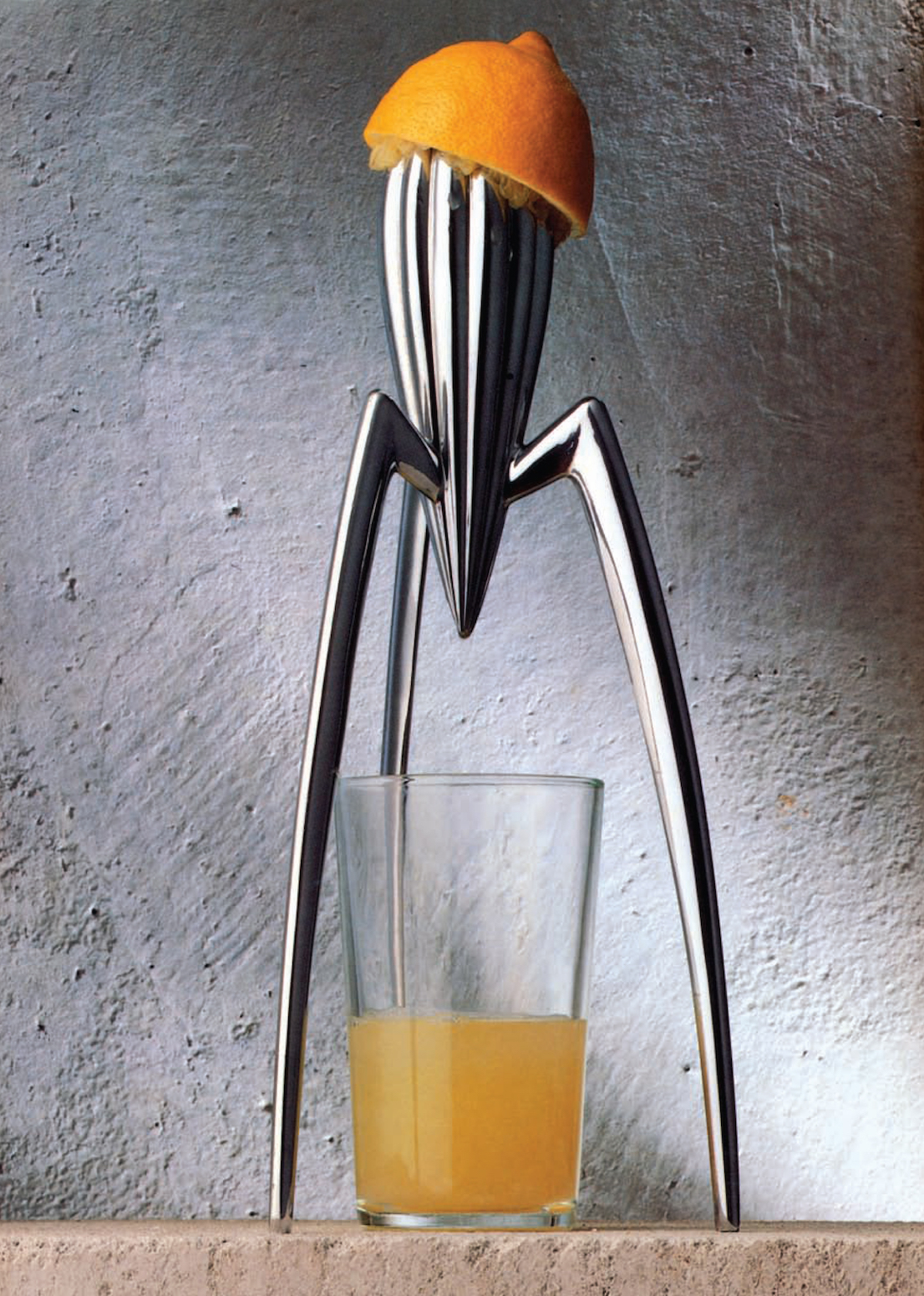 Juicy Salif, design di/by Philippe Starck per/for Alessi, 1990.