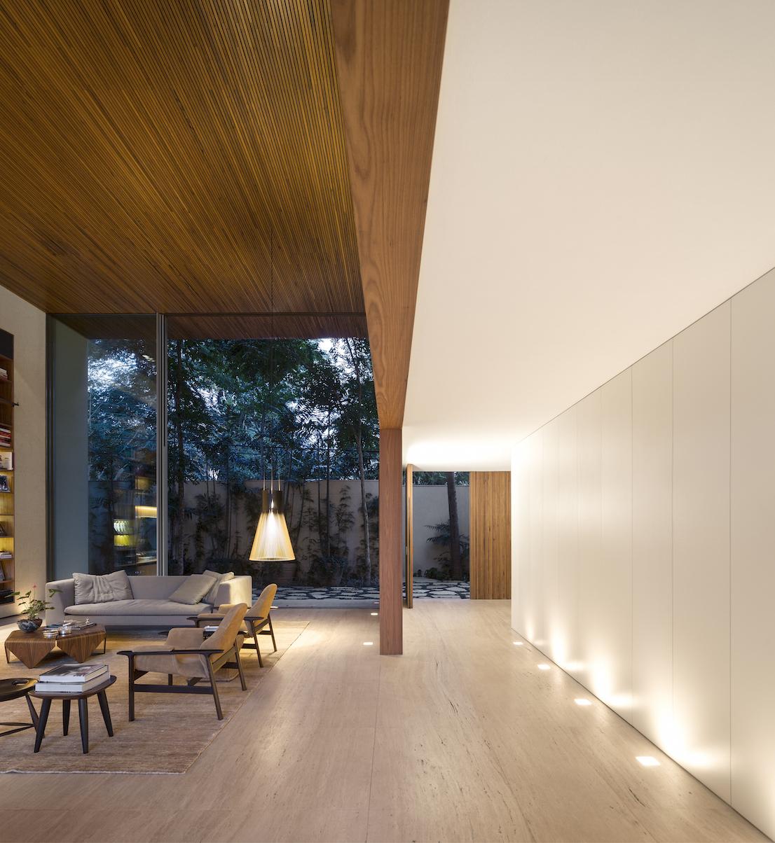 Tetris House, una splendida residenza situata nel cuore di San Paolo, progettata dallo studio brasiliano MK27.
