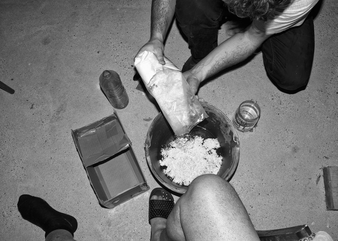 Hard Feet, foto di Jacopo Benassi