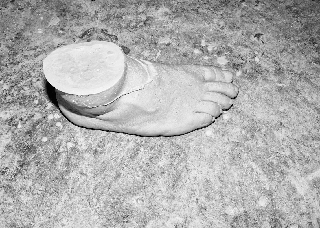 Hard Feet, foto di Jacopo Benassi