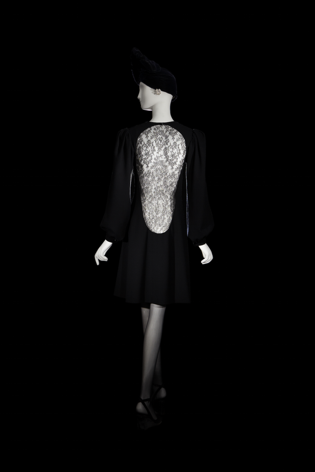 Yves Saint Laurent, short evening dress. Fall-Winter 1970.