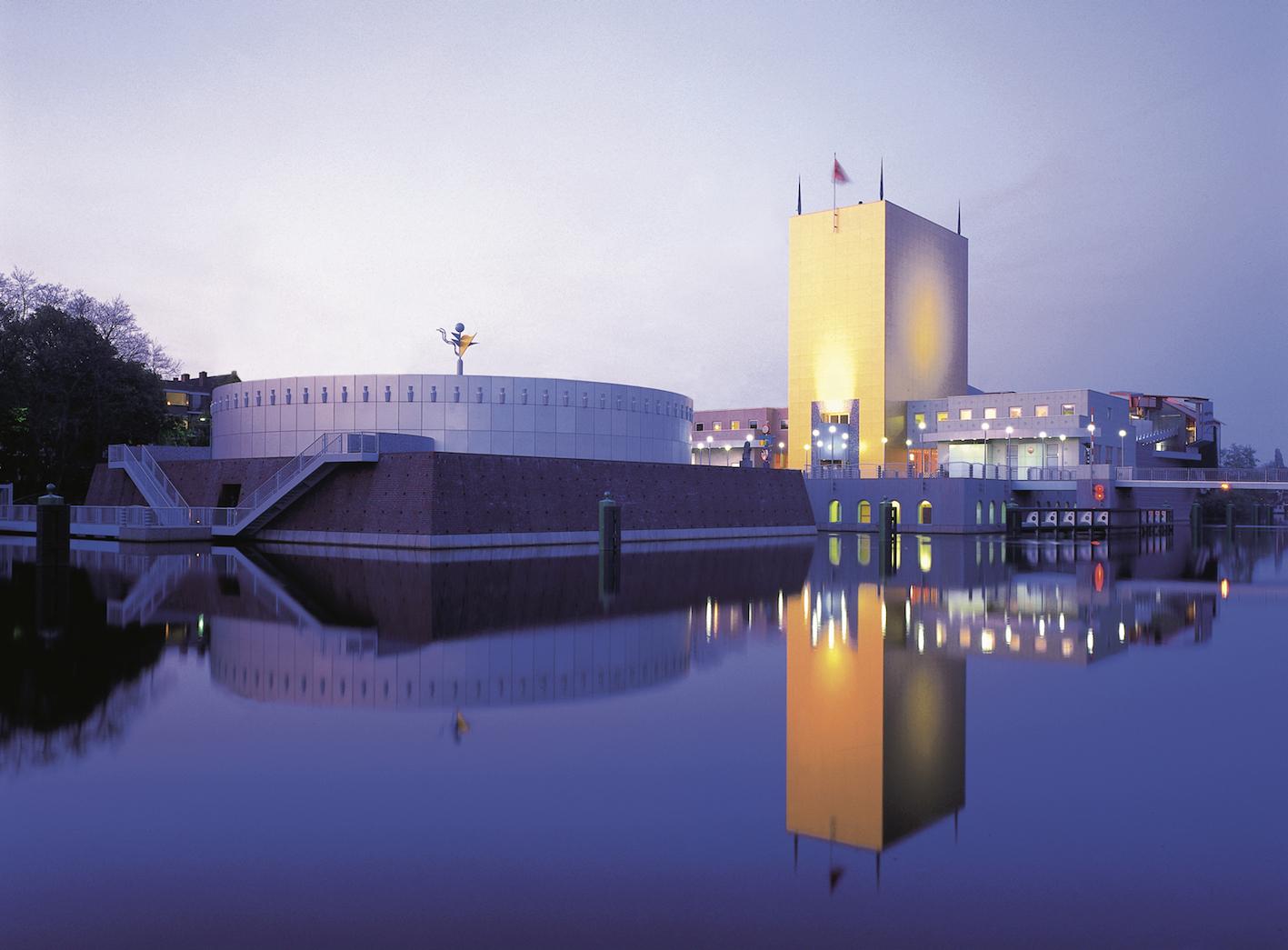 Groninger Museum, design di Alessandro e Francesco Mendini, Groningen, Holland, 1994.