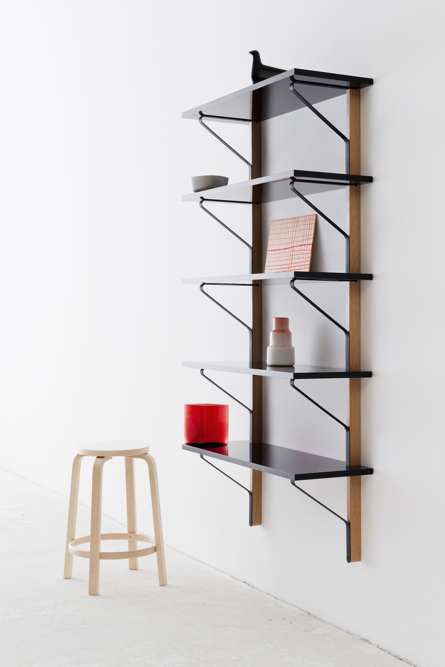 Kaari, design di Ronan e Erwan Bouroullec per ARTEK, 2015.