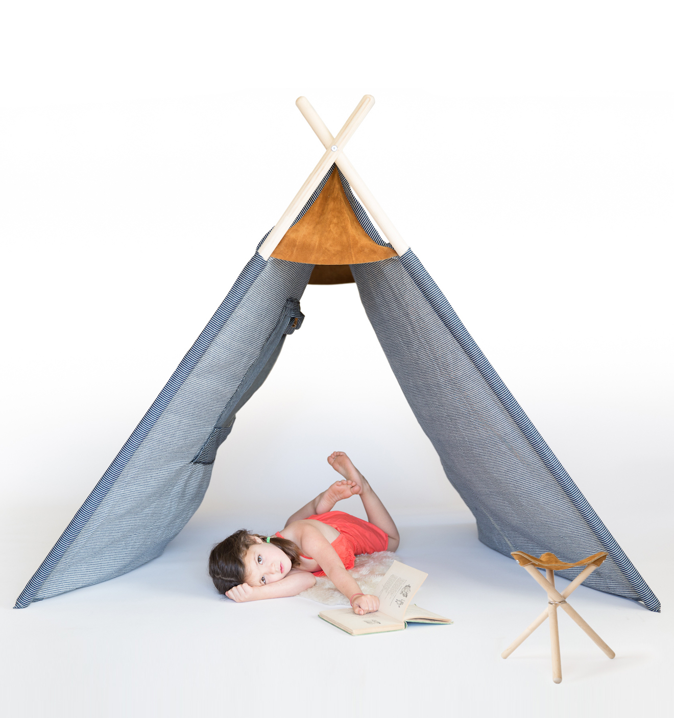 Field Tent, Wilderness Collection, design di/by Kalon Studios e/and Nico Nico.