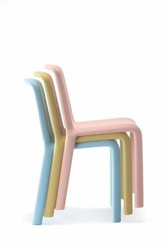 Snow jr, design di Odoardo Fioravanti per Pedrali, 2014.