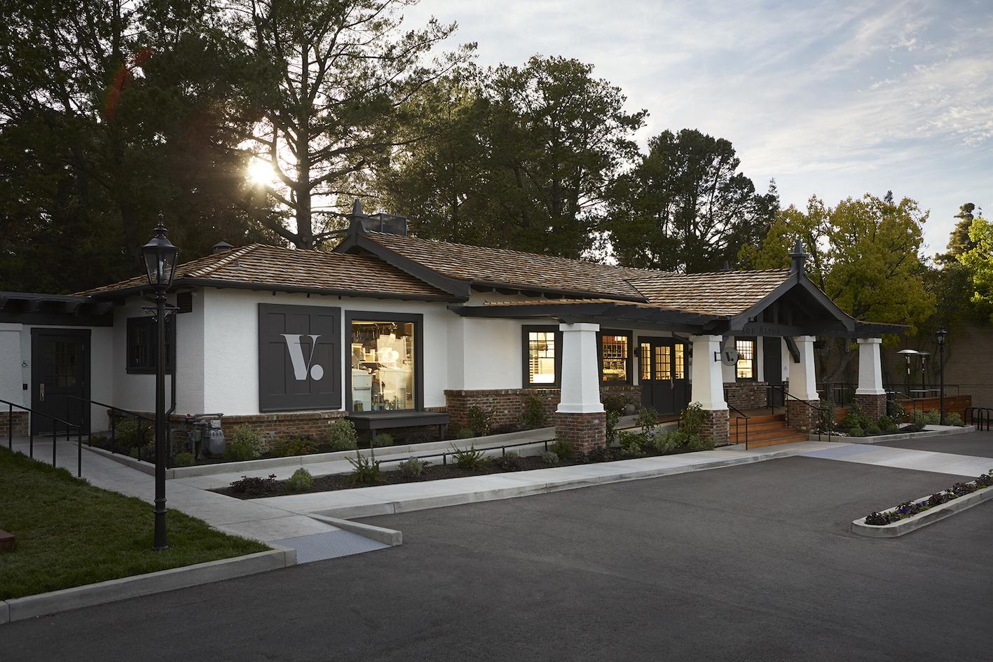 Voyageur du Temps, Los Altos, California.