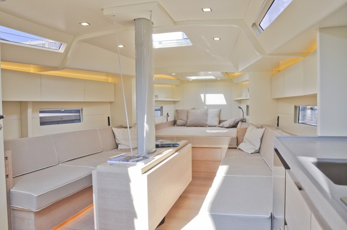 A44 , Advanced Yachts.