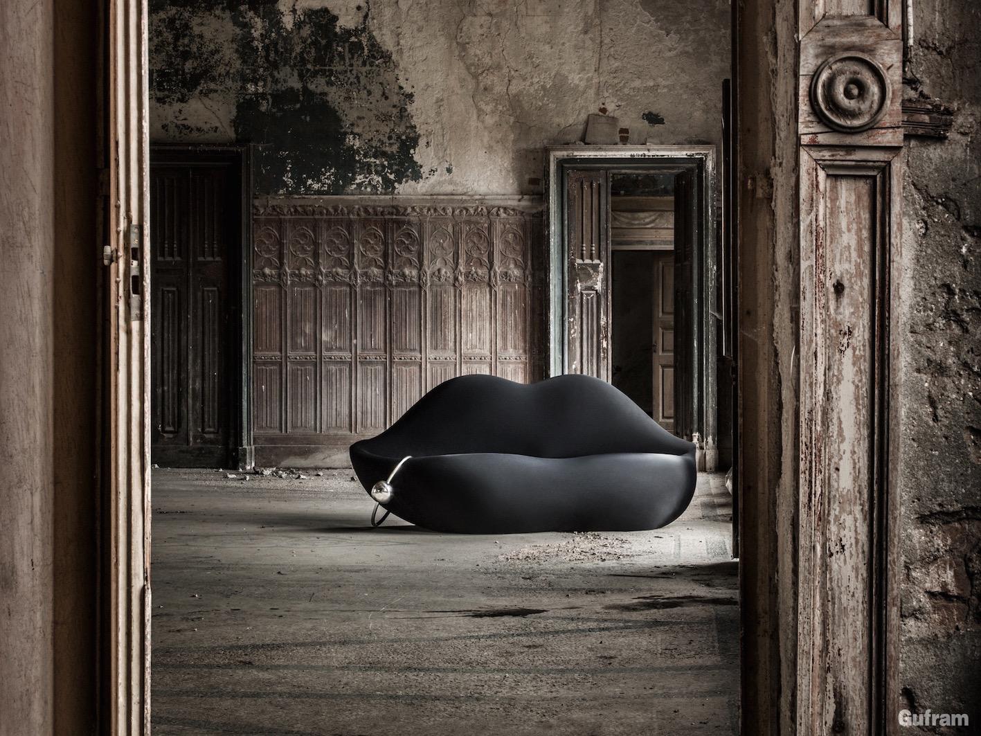 Dark Lady, design di Studio 65 per Gufram, 2008.